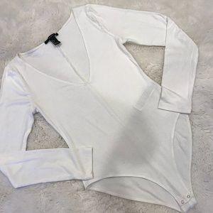 Forever 21 V-Neck Knitted Long Sleeve Bodysuit 💛
